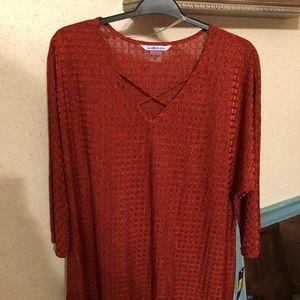 Nygard Rust color tunic.